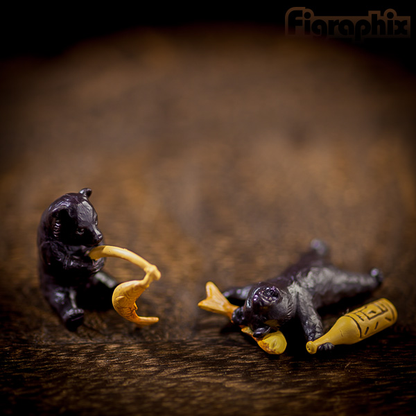 エポック社 木彫り熊 VS 木彫り鮭